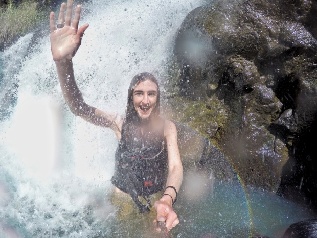 Photo of waterfall in Hawaii
